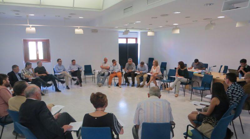 Les infraestructures i el finançament territorial de l'Arc Mediterrani centren el debat d'una sessió d'experts celebrada a Gandia