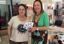 ACCO hace entrega a Carmen López del premio de su sorteo en Facebook #YoComproEnOliva