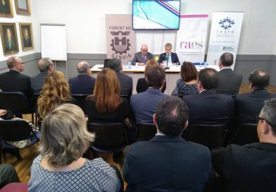 FAES e IVEFA firman un acuerdo de colaboración para el impulso de las empresas familiares